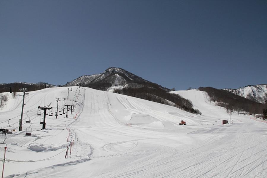 会津高原台鞍滑雪场