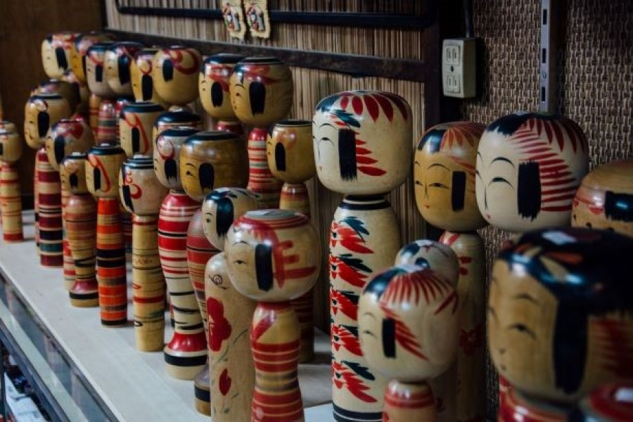 Kokeshi Doll Painting at Matsuya Souvenir Shop